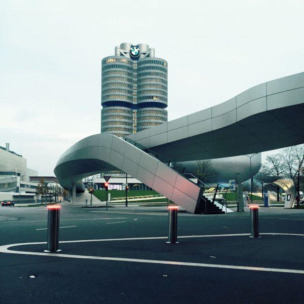 Sicherheitspoller BMW Zentrale München
