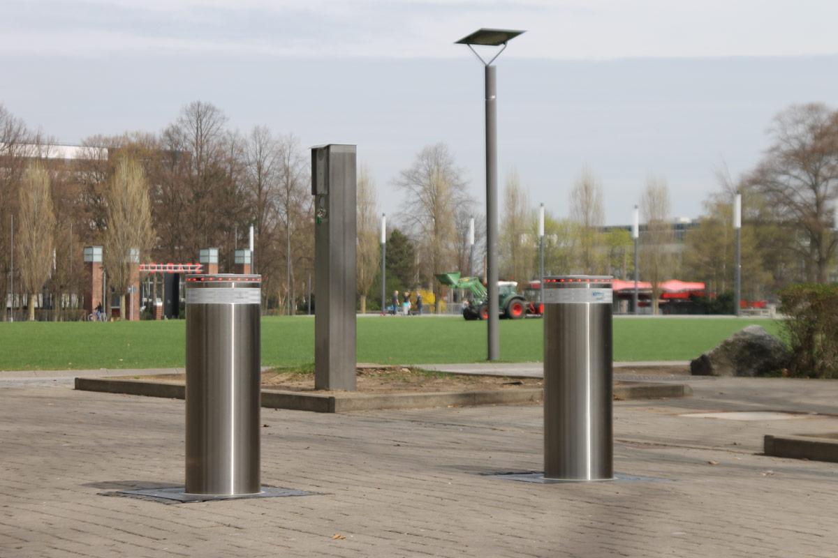Edelstahl Pollersystem am Stadion in Köln Müngersdorf