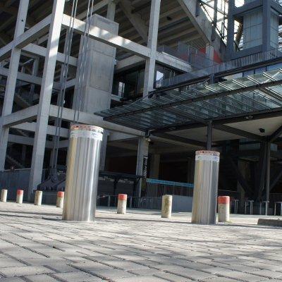 Sicherheitspoller am Fussballstadion